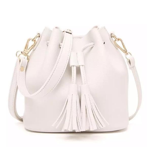 350d2d2dc40b Tassel White Leather Bucket Bag  K